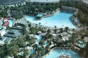 thehotel-mandalay-bay-las-vegas-pool-01